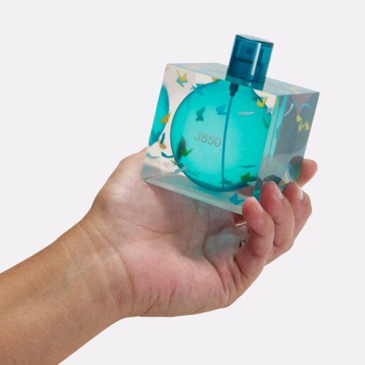 J850 3D nyomtatott átlátszó, színes parfümös üveg