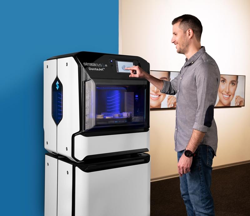 Stratasys J5 DentaJet fogászati 3d nyomtató kis ehlyet foglal, és könnyű használni