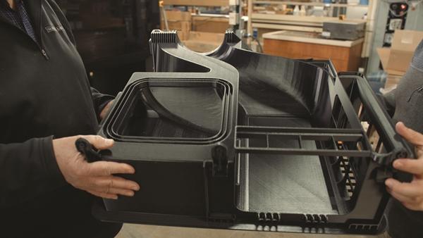A luxus készüléket gyártó Sub-Zero Group az F770 3D nyomtatót olyan elemek gyártására használja, amelyek korábban túl nagyok voltak  ahhoz, hogy házon belül készítsék