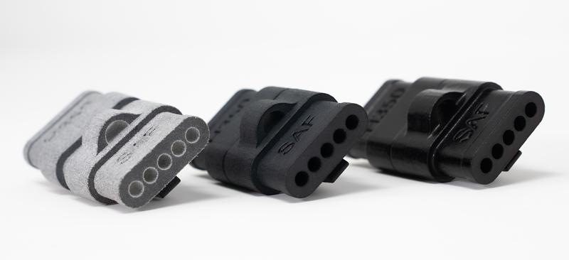 A DyeMansion számtalan felületkezelési lehetőséget kínál a SAF technológiával 3D nyomtatott alkatrészekhez